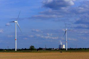 Atom- und Windenergie
